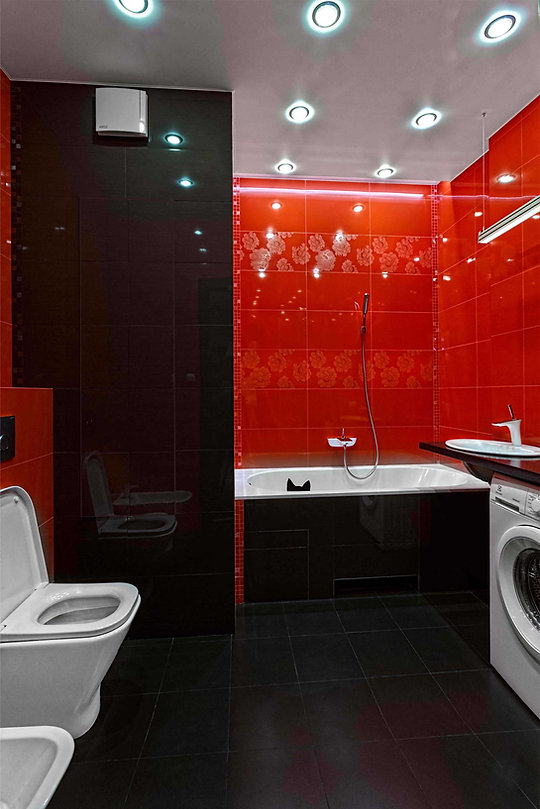 Дизайн 2-х комнатной квартиры. Ремонт 2-х комнатной квартиры. Дизайн ванной комнаты в красных тонах. Ванная комната в современном стиле
