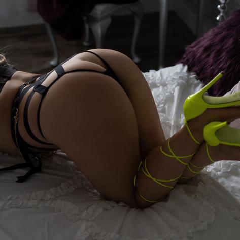 KSP09836 my edit yellow heel.jpg