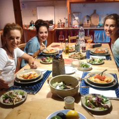 My final dinner before coming back to Canada. Lovingly prepared by Jessica. In the photo Rebecca and Jessica on the left, and Elena on the right. Look at all that yummy food!