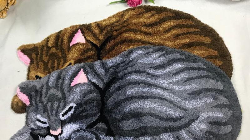 Small Cat Rug Grey Brown Cat Shape