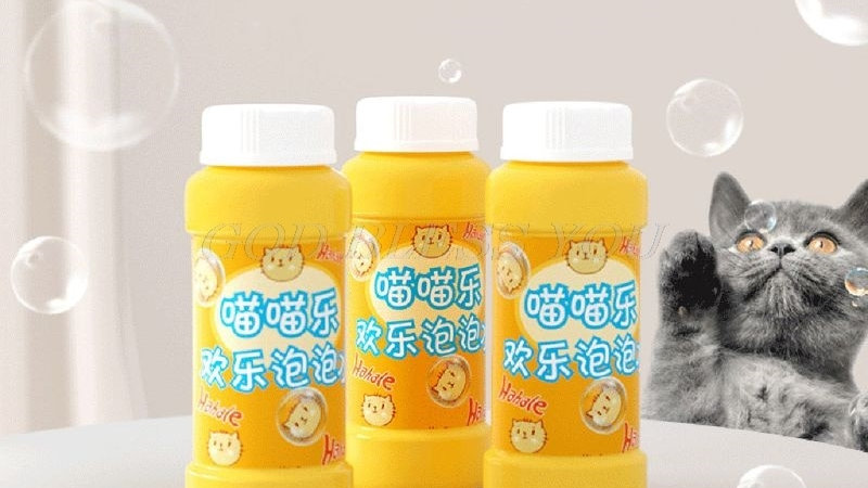 Pet Catnip Bubbles  Essential Oil Interactive Harmless Kitty Bubble Blower
