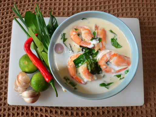 Prawn soup and melinjo leaves