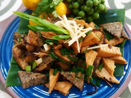 Gebratene Pilze, Ingwer und Tofu