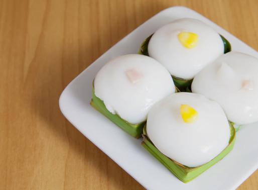 Tapioca pudding with corn, in pandan baskets