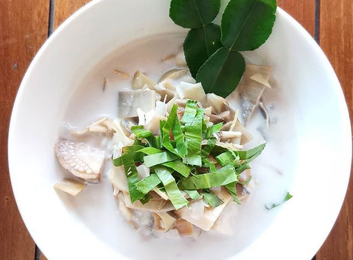 Coconut and galangal soup with banana blossom