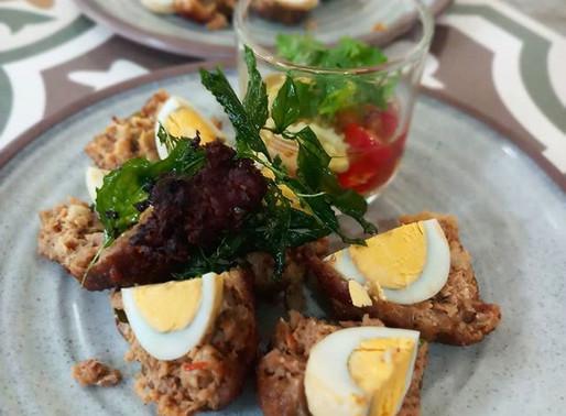 Curried eggs and pork, or karawek sot sai