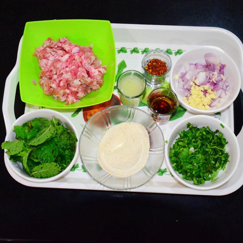 ingredients pork larb