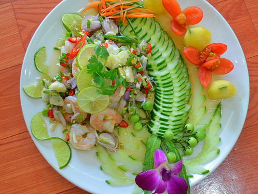 Prawn salad with chilies, limes and garlic, or Kung manao