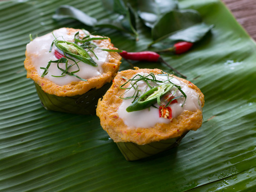 Steamed fish curry in banana leaves, or Homok pla