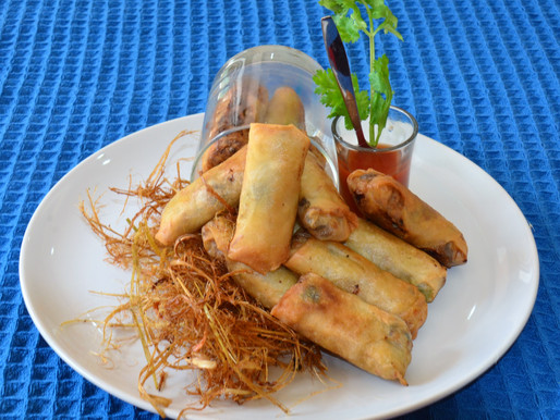 Spring rolls with pork and bamboo shoots