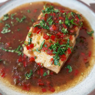 Tuna with garlic, chili and coriander sauce. Sweet and sour recipe on the Blog.jpg