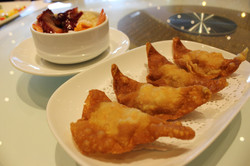 Deep Fried Wonton with Sweet and Sour Seafood Sauce_01
