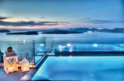 Astarte_Suite_private_infinity_pool_Santorini_A4_at_night