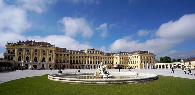Schönbrunn Palace 0005.jpg