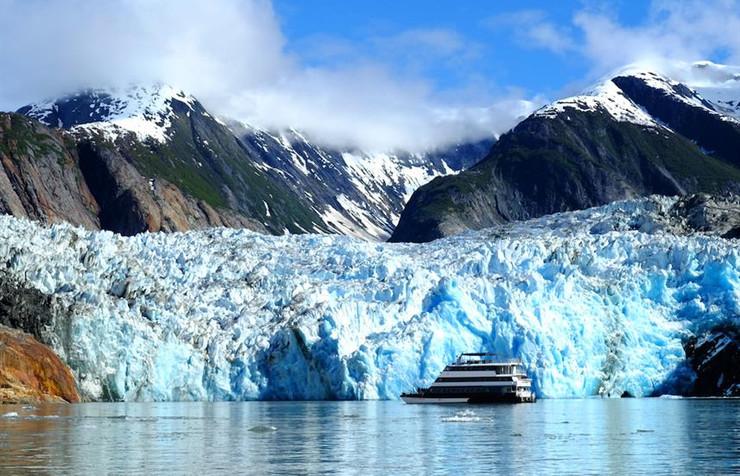 Alaskan_Dream_with_Glacierw857h570crwidt