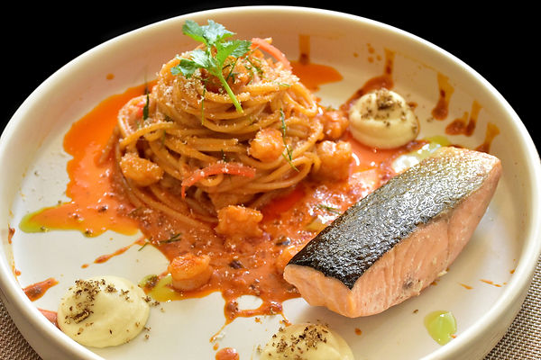 Baked Salmon with Tom Yam Goong Sauce.jp