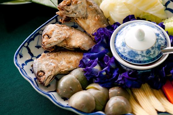น้ำพริกกะปิ ปลาทูทอด