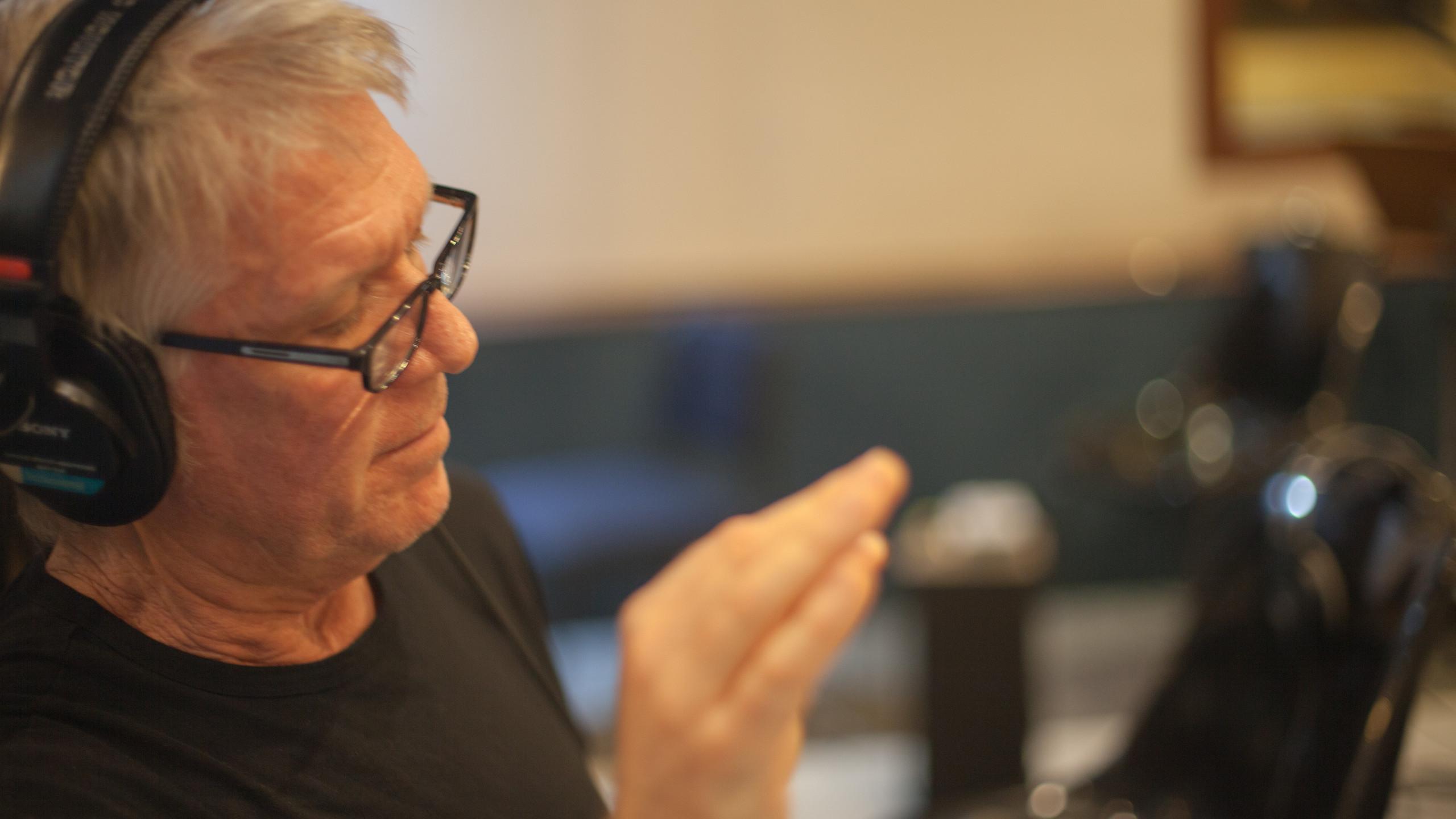 Larry Williams Working His Magic - 3