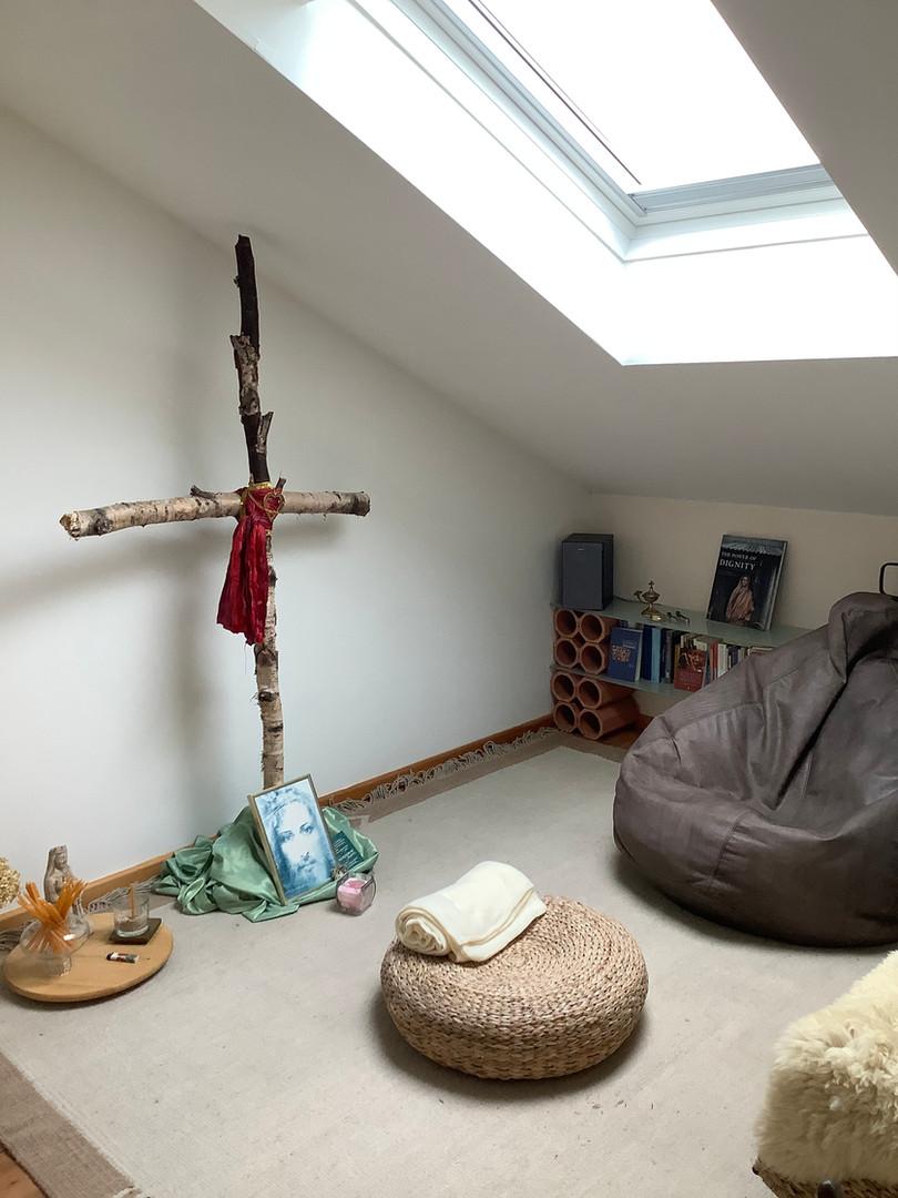 Gebetsraum unter dem Dach