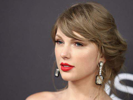 Taylor Swift hides new album info in 'Me' music video