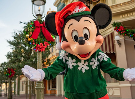 Disney shares what guests can expect Christmas to look like inside the Magic Kingdom