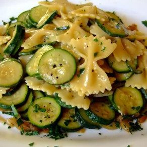 COURGETTES AND PASTA BOW