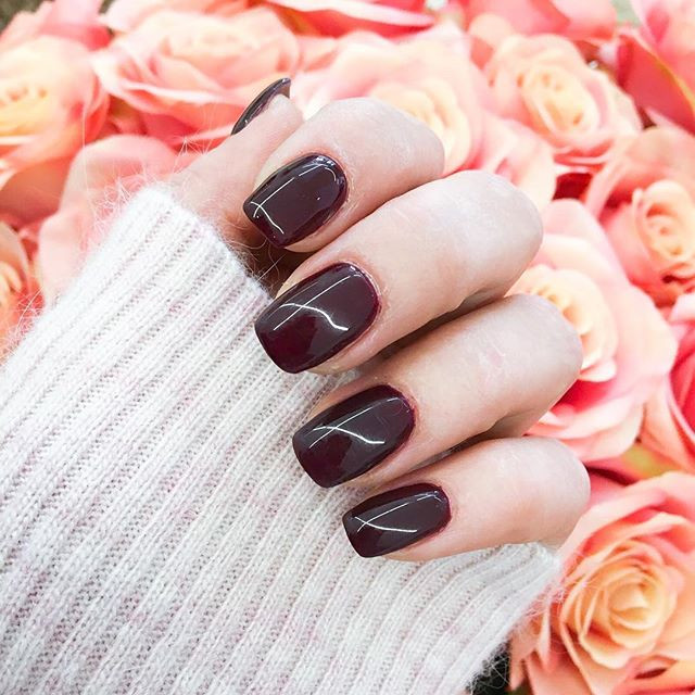 Burgundy is the new BLACK 👯 #nails #squ