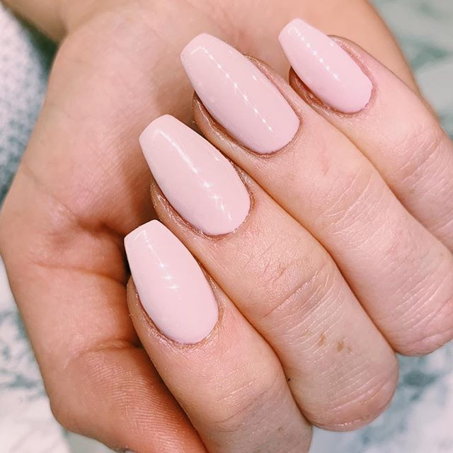 Mani monday 💅🏼_Color by_ _pronails_hq