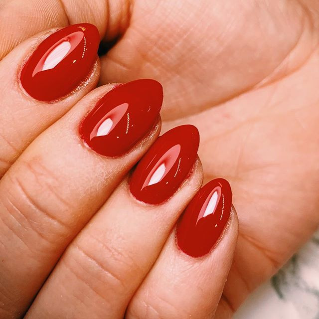 Red canapé _Color by _pronails_hq_._._._