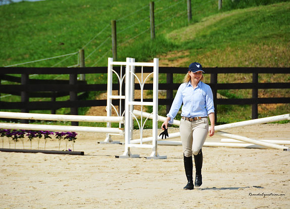 Anderson Djuric riding in a hunter/jumper horse show