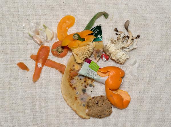 08.Selfportrait - foodwaste 5. 15_x20_ 1