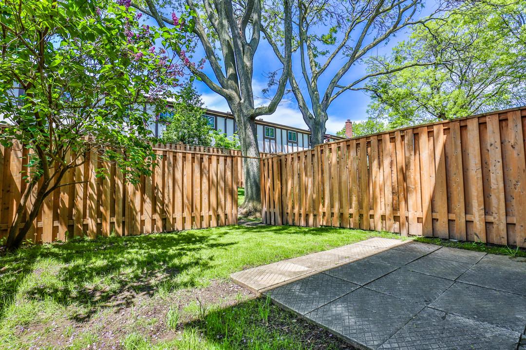 24 Harper Way, Thornhill-37  backyard fa