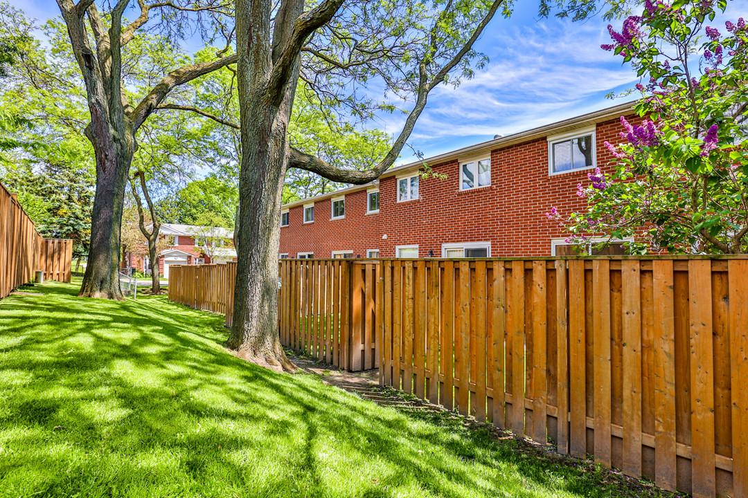 24 Harper Way, Thornhill-34 backyard fan
