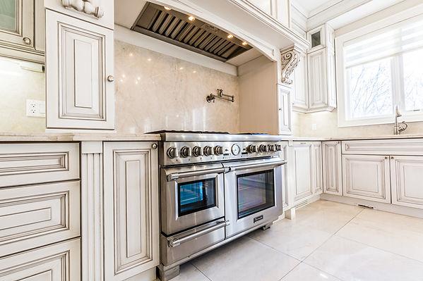 12 Riverside Blvd-19 1st floor kitchen.j