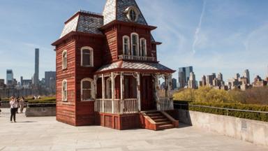The Met - Psycho House
