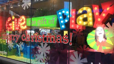 FAO Shwartz - Holiday Windows