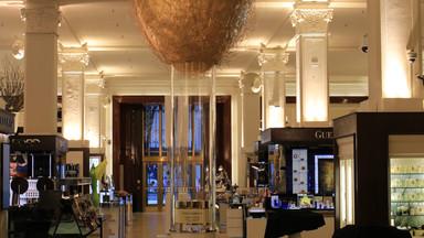 Dolce & Gabbana - Retail Window Display
