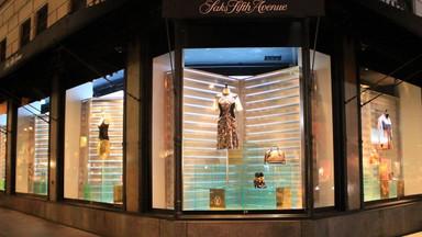 Saks 5th Avenue - Retail Window Display
