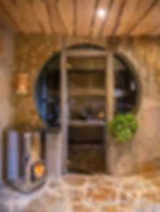 Turvehoidot toteutetaan Luonnottaren Voimalan saunassa Porin Ahlaisissa