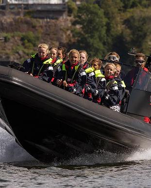 Ribbåt till bastuflotte Stockholm