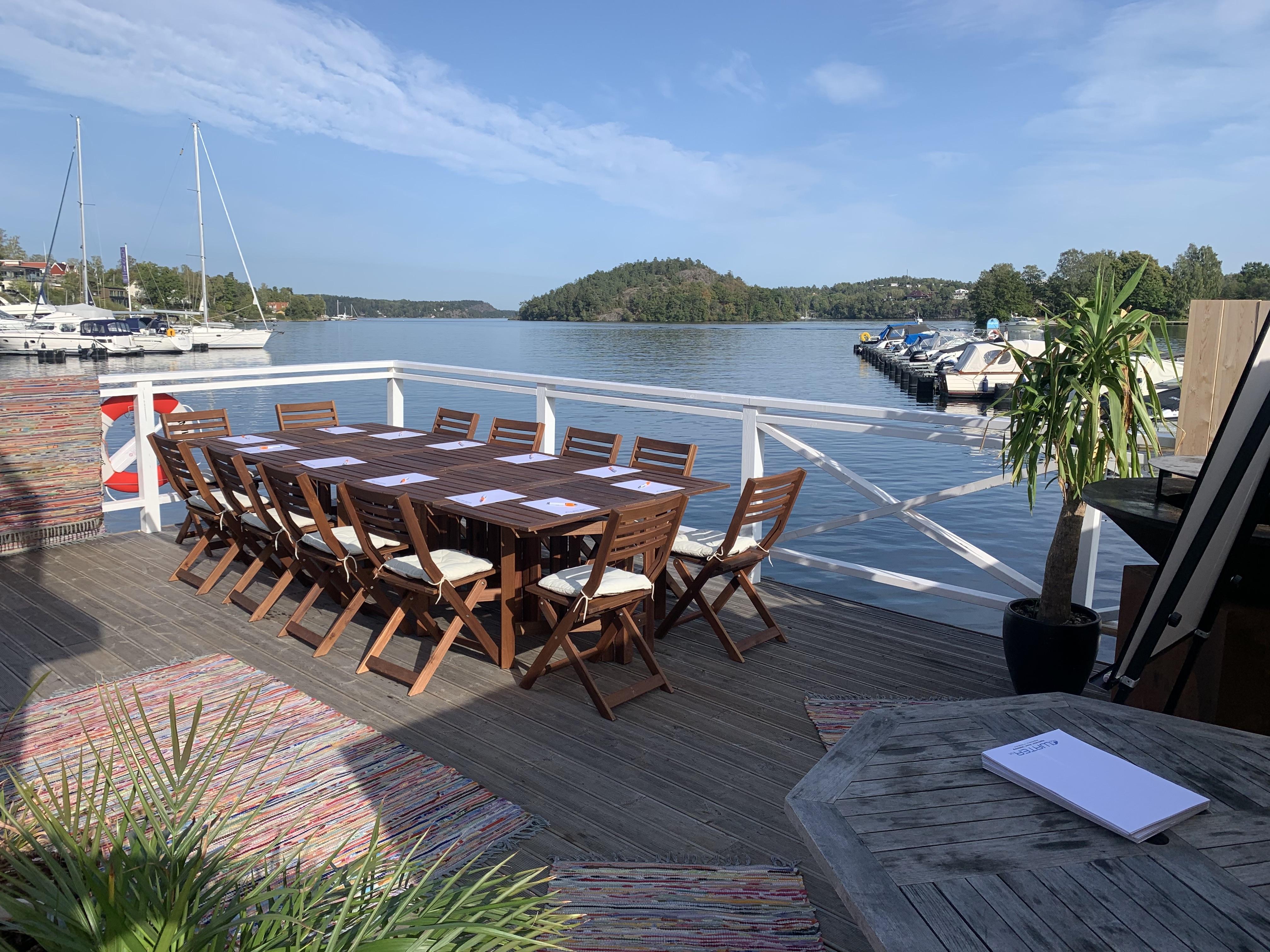 Grillkväll på bastuflotte med egen kock