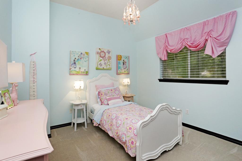 Moss Bluff 2 bed1