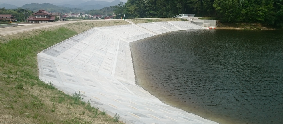 H29県営ため池等整備事業菅田大池地区堤体工事