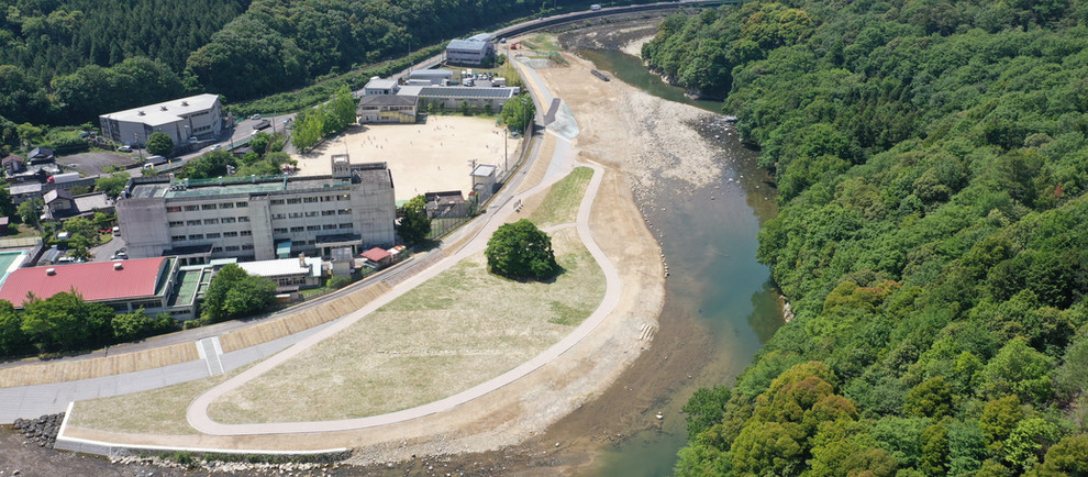 令和2年三篠川河道掘削工事