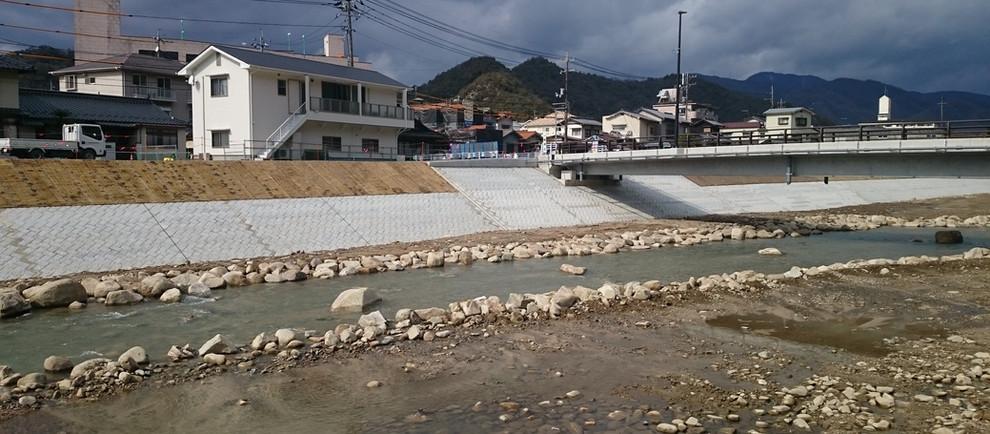 H28根谷川寺山地区築堤護岸外工事