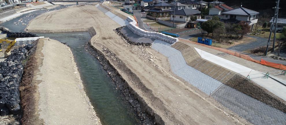令和2年 根谷川寺山地区堤防外工事