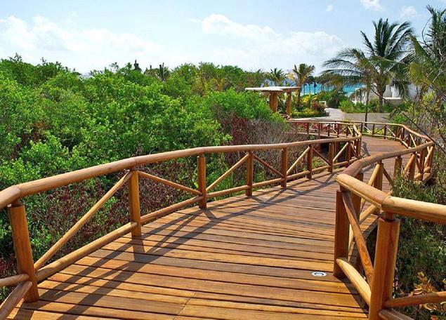 Deck de madera para puente.jpg