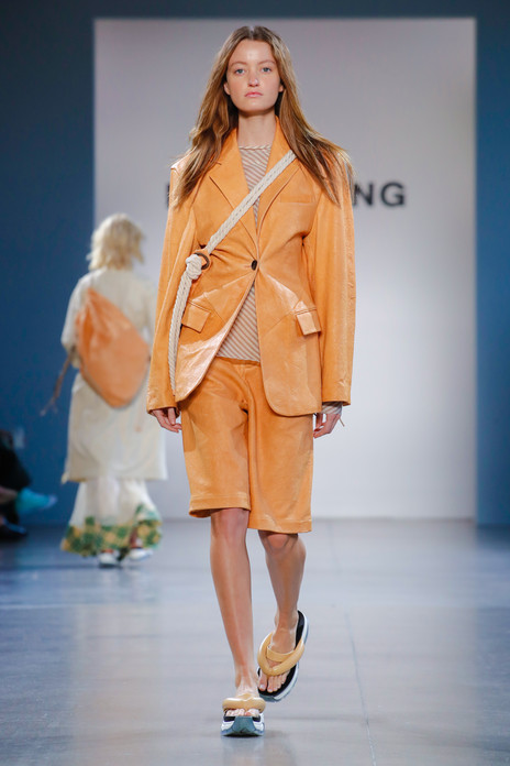 DAMOWANG Celebrates Modern and Traditional For SS20