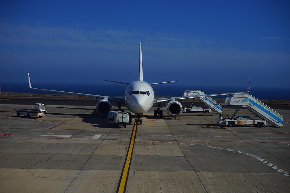 aircraft-461922_960_720