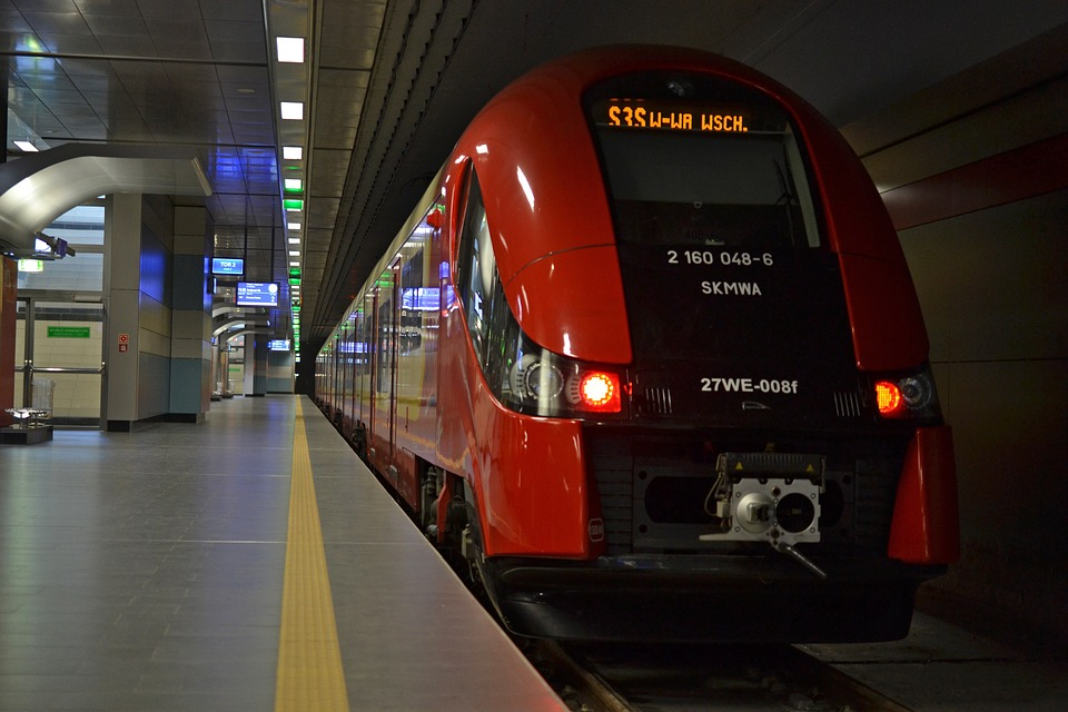 train-1239463_960_720